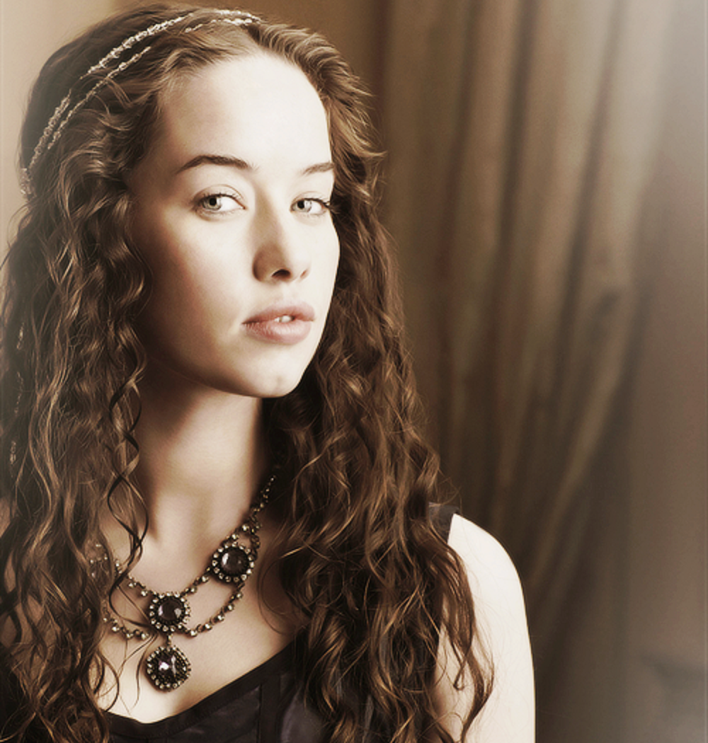 Hollywood Actress Wallpaper: Anna Popplewell Wallpapers