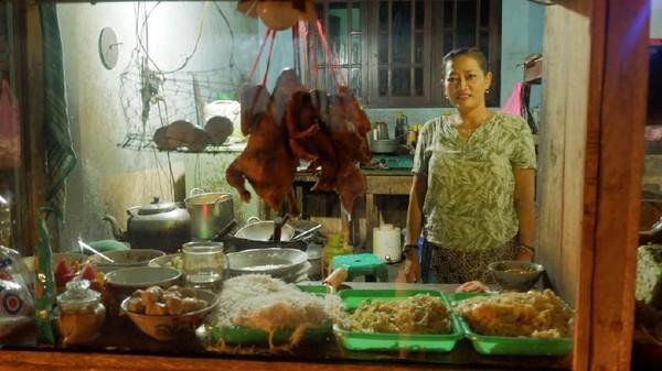 Cerita Antrean Panjang Mie Ayam Bu Tumini Yogya yang Bikin Keki