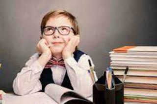 التعليم فى المجتماعات المتقدمة  و المتأخرة