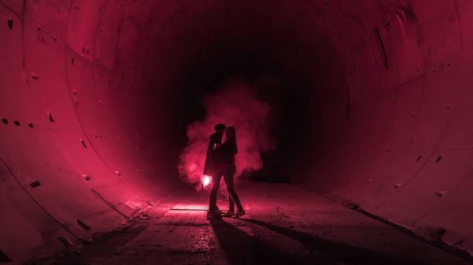 Casal Romântico, Amor, Túnel, Sinalizador
