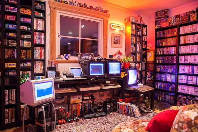 Habitación retro dedicada a los videojugos antiguos