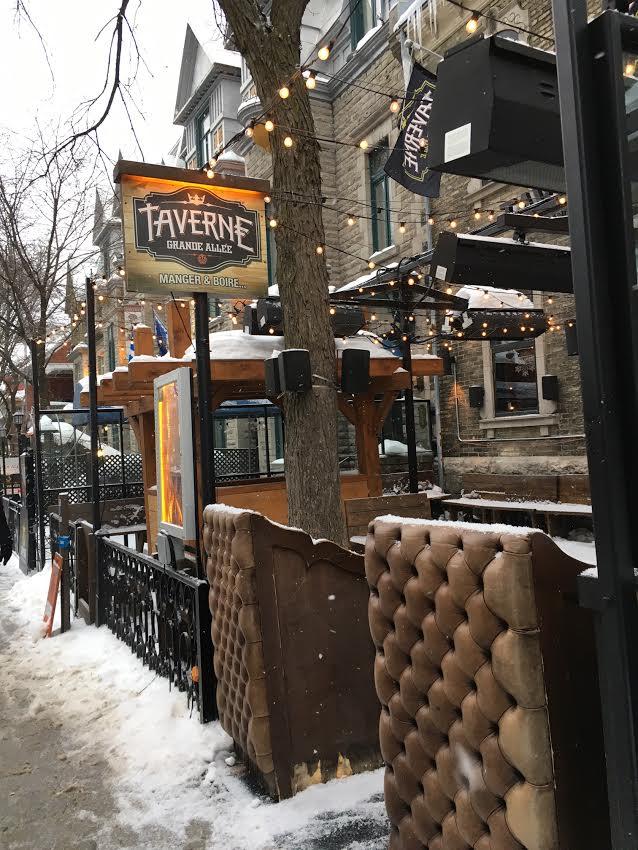 the Grande Allée Taverne in Québec City, Canada