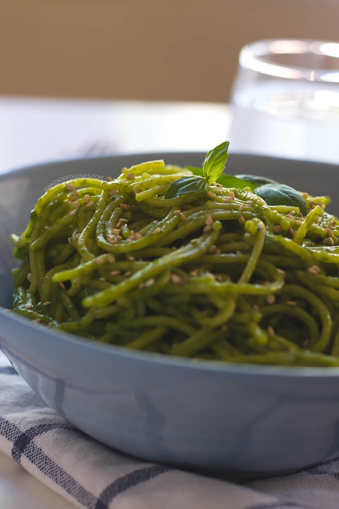 Spaghetti with Green Sauce and Sesame