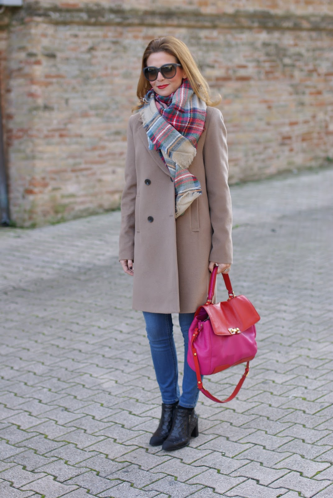 Camel boyfriend coat and checked scarf on Fashion and Cookies fashion blog, fashion blogger style