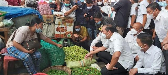 Tinjau Pasar Kapuas Belawan dan Pasar Induk MMTC,  Mendag: Harga Bapok Stabil
