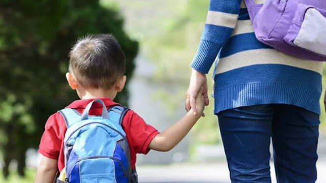 Οι εργαζόμενοι γονείς δικαιούνται χορήγηση από τον εργοδότη άδειας σχολικής παρακολούθησης