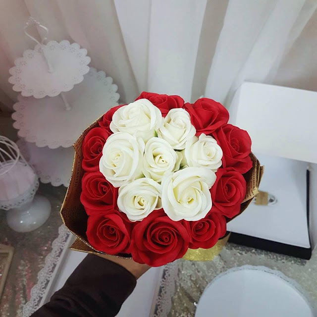 Hoa hong sap thom vinh cuu tai Hang Muoi