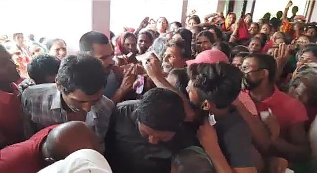 मधवापुर के मुखियापट्टी वैक्सीन सेंटर पर जमकर मुक्केबाजी, हंगामा देख लौटे टीकाकर्मी
