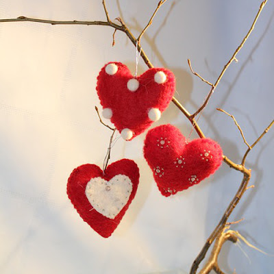 Red and white felt heart ornament designs