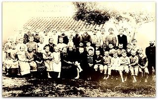 Foto de Grupo Escolar do Início do Sáculo XX, no Museu Histórico de São Leopoldo