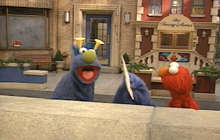 Elmo gives last picture to Honker. Sesame Street The Best of Elmo
