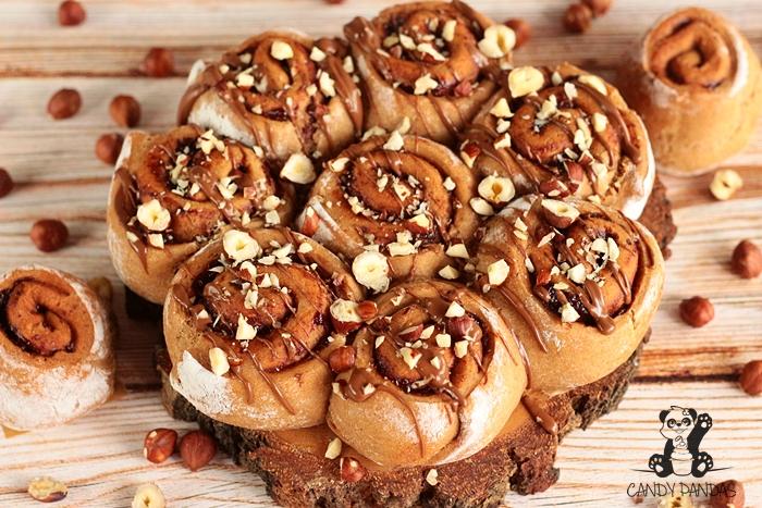 Drożdżowe, twarogowe ślimaczki z kremem czekoladowym Torras