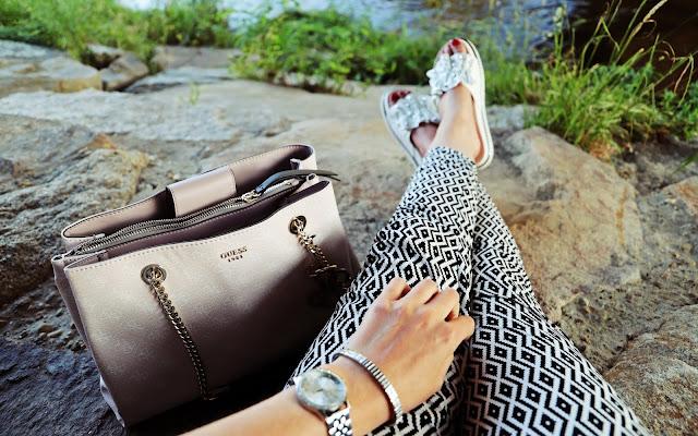 Sommer Outfit - torba Guess - Czytaj więcej »