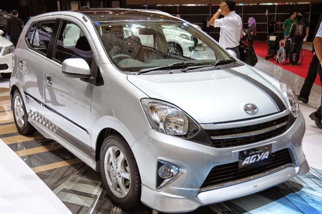 Foto Mobil Toyota Agya Terpopuler
