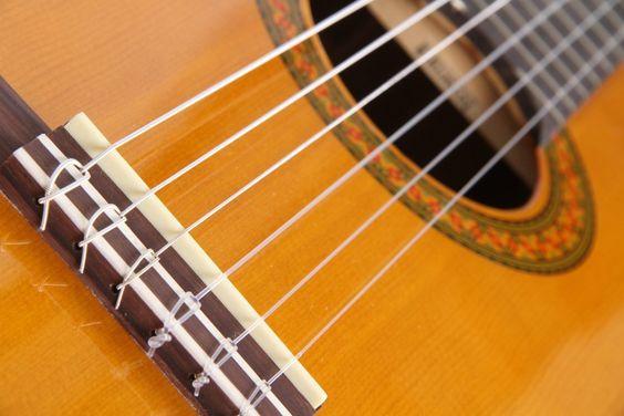 Cara Pasang Senar Gitar Nylon