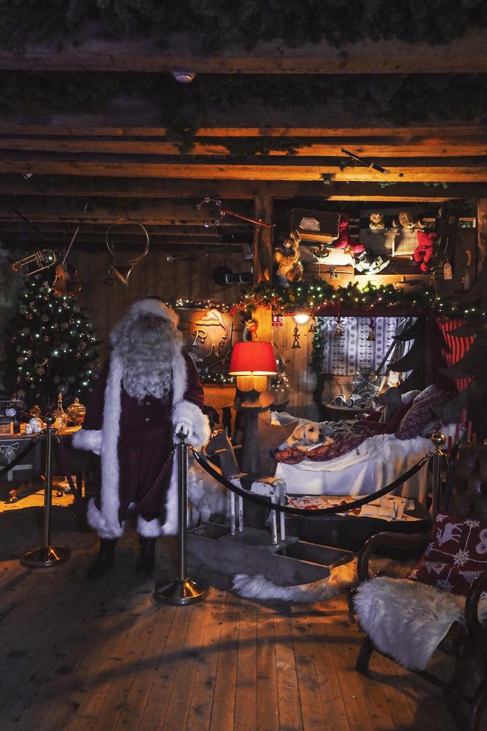 Chambre du Père Noël au hameau du Père Noël en Haute-Savoie