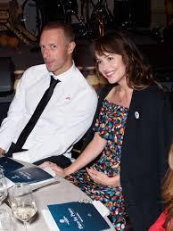 Horóscopo de los Famosos: Chris Martin y Dakota Johnson