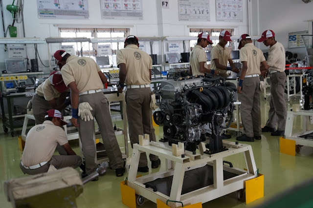 Students in Toyota Technical Training Institute (TTTI) undergoing workshop training