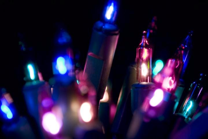 10 Free Wonderful Christmas Light PowerPoint Templates And