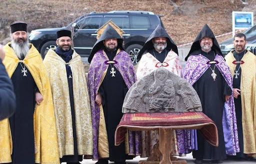 Bajorrelieve devuelto al complejo monástico de Haghardsine