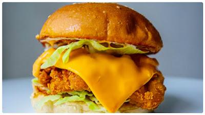 Sisi Yemmie Teaches How To Make Crispy Chicken Burger