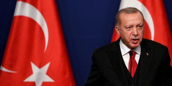 Γιατί ο πρόεδρος της Τουρκίας απειλεί να «ρίξει» τα social media
