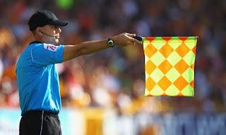 arbitros-futbol-asistente-gorra