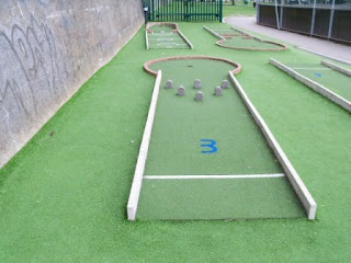 Minigolf in Chiswick, London
