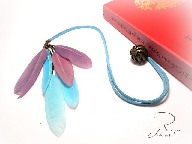 marcapaginas de antelina con plumas
