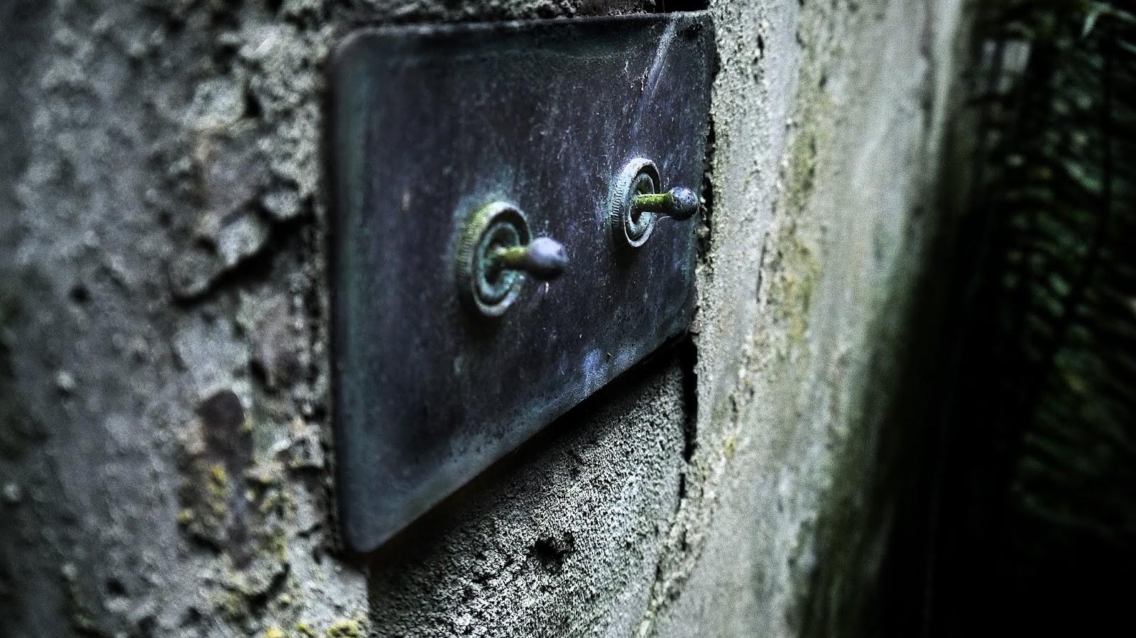 Crawford Priory Details