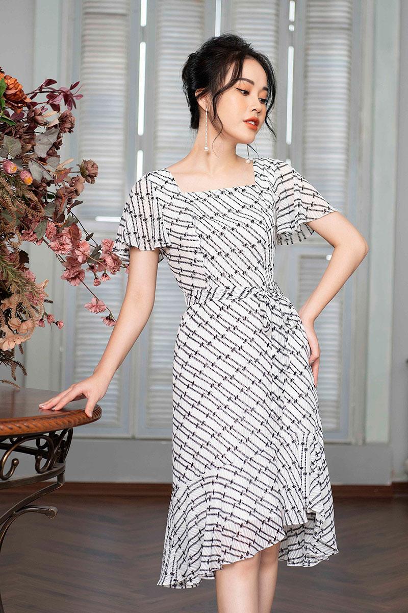 Đầm đuôi cá TosonFashion Kẻ đen trắng cổ U thắt đai eo 42035K630