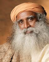 Fotografia do Sadhguru Jaggi Vasudev, em 2013, por Fundação Isha