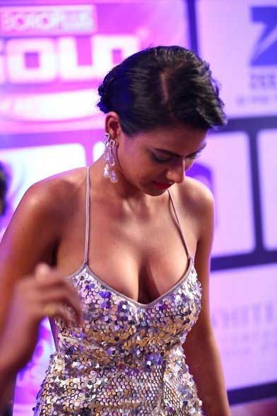 Nia Sharma Hot and Sexy , Nia Sharma Hot and Sexy Cleavage
