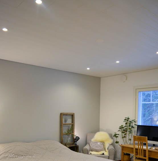 makuuhuoneen remontti sisustus maali lattia katto seinät