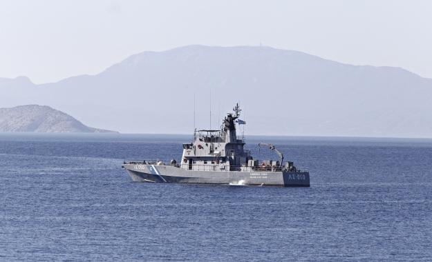 Σκάφος της ελληνικής ακτοφυλακής άνοιξε πυρ κατά τουρκικού εμπορικού πλοίου