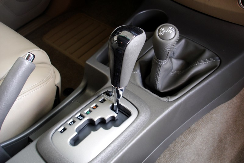 First Drive 2012 Toyota Fortuner Amp Hilux With Vnt