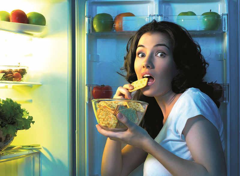 Por que será que algumas pessoas sentem fome o tempo inteiro? Um estudo publicado no começo de abril na Nature Metabolism desvendou por que algumas pessoas sentem fome sempre e lutam para perder peso, mesmo em dietas com controle calórico