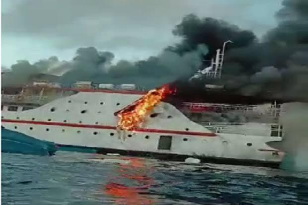 Kondisi Terkini KM Karya Indah Pasca Terbakar di Laut Malut