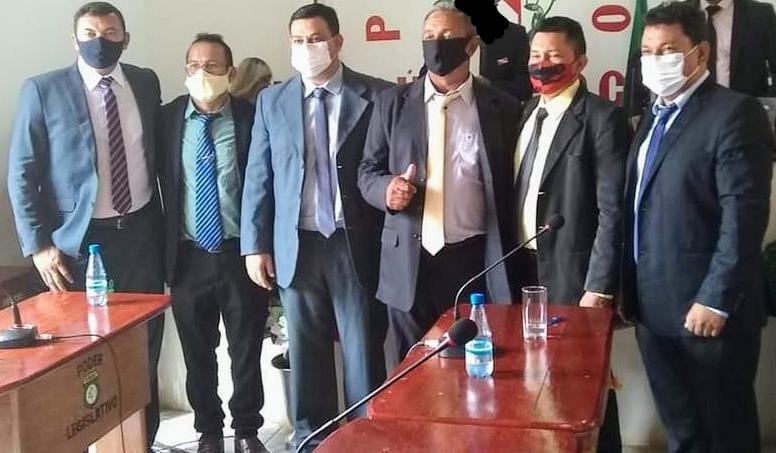 Vereadores e prefeito vão doar 50% do salário a famílias do epicentro da pandemia
