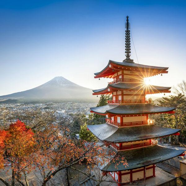 เจดีย์ชูเรโตะ (Chureito Pagoda: 忠霊塔)