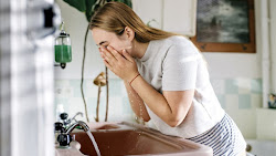 Mengapa Mencuci Muka Sebelum Tidur Penting Dilakukan?