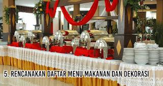 Rencanakan daftar menu Makanan dan dekorasi