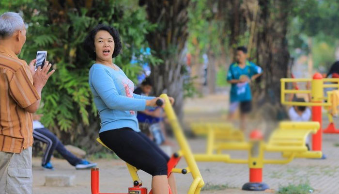 Fasilitas olahraga di lapangan gulun