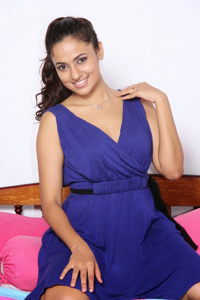 Actress  Models Udari Warnakulasooriya - Sri Lankan -1081