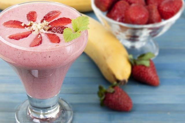 Υπέροχο Smoothie με μπανάνα και φράουλα