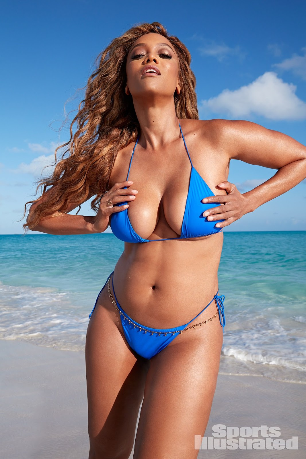 Tyra Banks sizzles in tiny bikini for Sports Illustrated