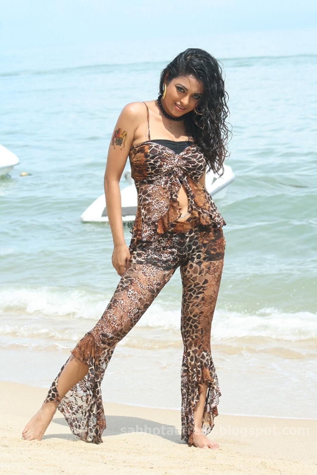 nudes Bikini Meenakshi (12 foto) Porno, Twitter, lingerie