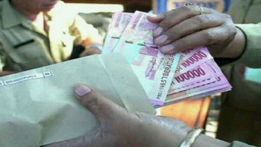 Keterlaluan! Tim Saber Ungkap Uang Pungli di SMA 1 Cikampek, Siswa Dipaksa Bayar 4 Juta