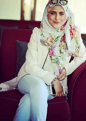 صور مطربة طيور الجنة أمينة كرم بعد خلعها الحجاب