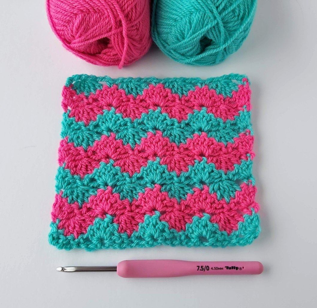 Beautiful Blanket Made With Interlaced Crochet Shell Stitch - Step By Step Free